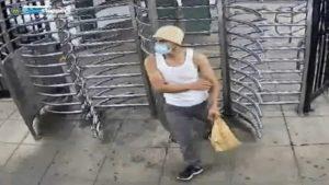 Detienen a hispano por romper 400 ventanas del metro en New York