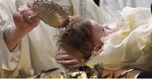 Vaticano: católicos tendrán que bautizarse otra vez; ¿por qué?