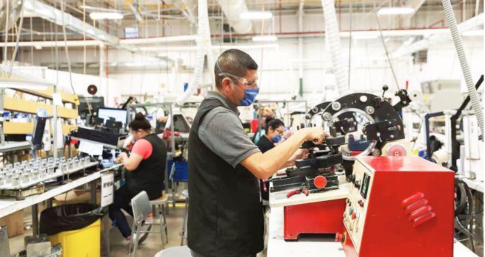 Repuntan actividad industrial y empleo