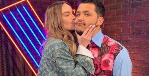 Belinda y Christian Nodal se tatúan juntos demostrando su amor