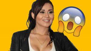 Gomita sufre accidente al depilarse, se queda sin cejas VIDEO