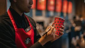 Hombre demanda a Starbucks por haberle quemado sus partes nobles
