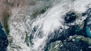 Tormenta Beta se acerca a Texas; llegaría esta noche