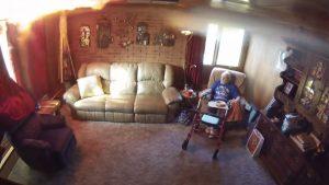 Casa empieza a arder en llamas cuando abuelito merendaba VIDEO