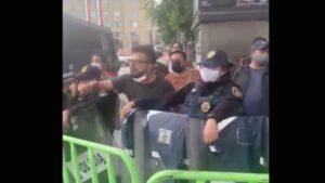 Hombre a FRENA: 180 mil muertos de Calderón y nunca salieron a protestar