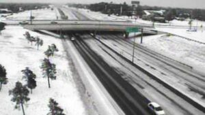 Cae nieve en partes de Texas; ¿Alcanzará nevada a los Dos Laredos?