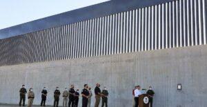 Celebran construcción de muro fronterizo de Estados Unidos en sur de Texas