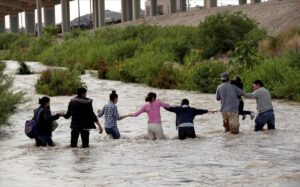 Cerca de 4 mil niños migrantes cruzan la frontera sin sus padres