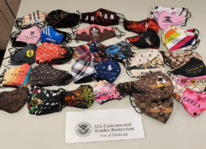 Decomisa CBP cubrebocas 'piratas' y medicamento anti covid