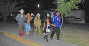 En ciertos sectores de Nuevo Laredo salen a pedir dulces