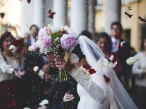 VIDEO: Mujer interrumpe boda; su esposo se casaba con otra