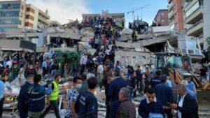 Suman 28 personas fallecidas por terremoto en Turquía