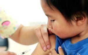 Vacune a niños para protegerlos