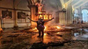 Joven celebra incendio de iglesia y lo publica en su instagram