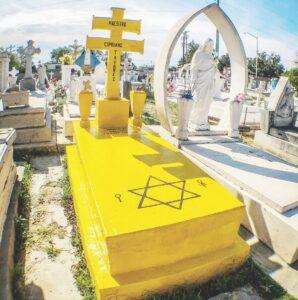 La misteriosa tumba amarilla