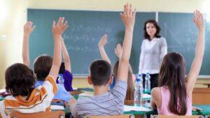 Mueren más de 30 maestros por COVID-19 en Coahuila