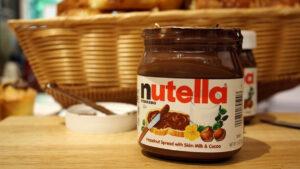 Critican a Nutella por promocionar pastel racista (FOTO)