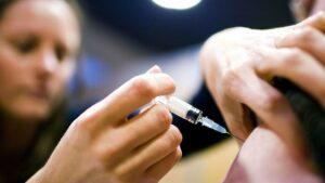 Alertan por vacuna pirata contra influenza en Saltillo