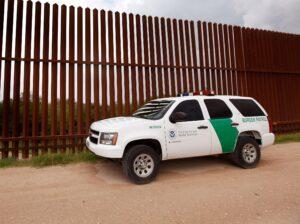 Frenan en Laredo Texas muro fronterizo