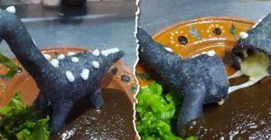 Crean la Dinoquesadillas en Coahuila y se vuelven viral