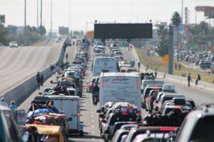 El Covid no los detiene,  aumentan viajes en autobús de Houston a México
