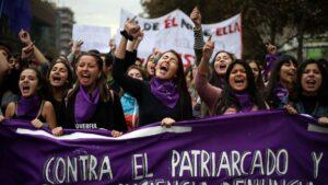 """""""El violador eres tu"""": Himno feminista que le dio la vuelta al mundo cumple un año"""