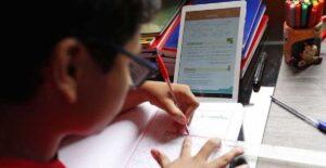 Padres de familia venden tareas en redes sociales en Saltillo