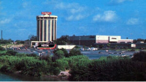 Centro de Laredo; la nostalgia de lo que un día fue (FOTOS)