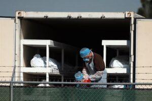 Covid-19: Urgen empleados para morgues en El Paso, Texas