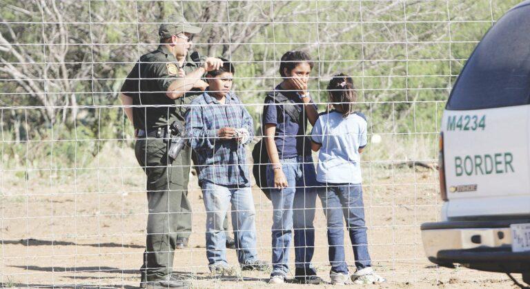 Pandemia no frena deportación de niños por Nuevo Laredo