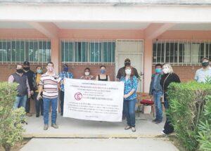 Protestan maestros de ETI-32; piden salida del director
