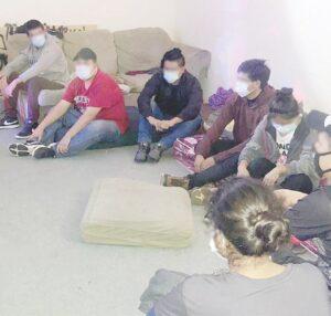 Esconden a inmigrantes en una casa