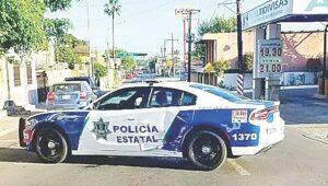Policía ignora alto y le pegan