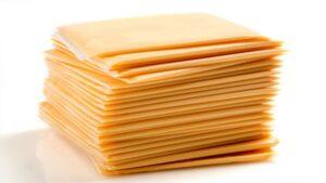 Quesos amarillos son más agua y grasa que leche: Profeco