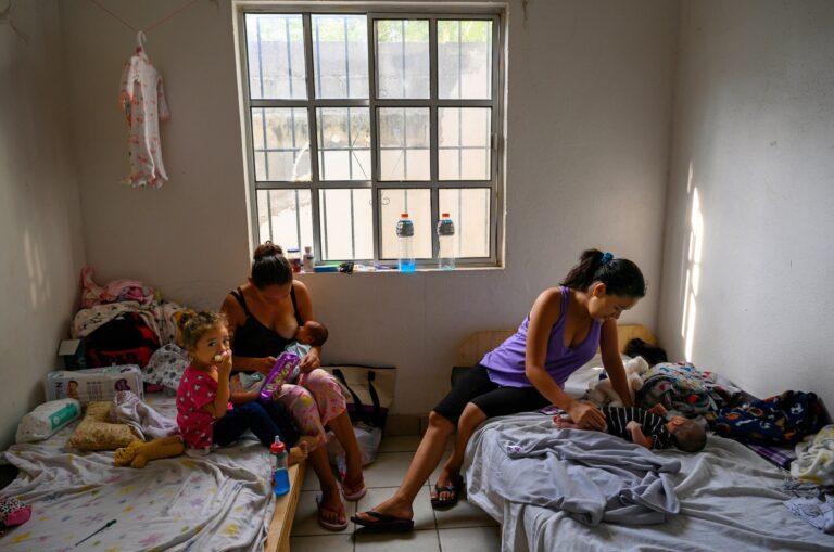 Embarazadas, cansadas y de regreso a la frontera de México