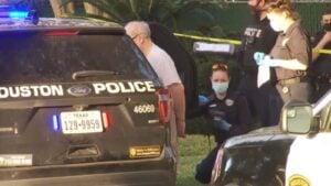 Hombre mata de un disparo a su madre de 93 años en Houston