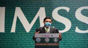 Personal de salud es prioridad para recibir vacuna contra COVID-19; no se permitirá influyentismo: IMSS