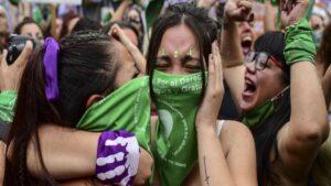 ¡Es oficial! Aprueba el Senado de Argentina aborto legal