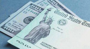 OFICIAL: Darán en EEUU cheques de 2 mil dólares a afectados por covid