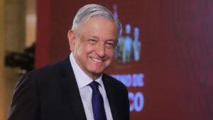 Encuesta ubica a AMLO como segundo mandatario mejor evaluado en el mundo