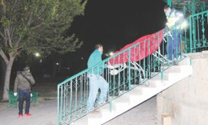 Muere entre alcohol y olvido en el kiosko de la Plaza Insurgentes
