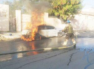 Arde un auto en la Hidalgo