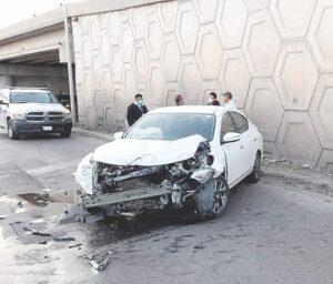 Estrella auto; acaba lesionada
