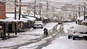 Caen primeras nevadas en Chihuahua, esperan más y hasta cierres viales