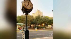 LAREDO, TX: Atropellan a ancianito frente a la Plaza Jarvis; está grave