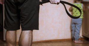 Prohíben chanclazos y cinturonazos para corregir niños