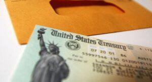 ¿Inmigrantes  indocumentados recibirán  cheque de estímulo?