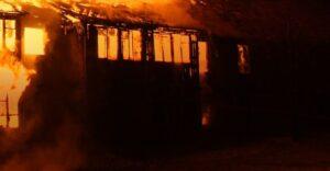 Tragedia de navidad: Incendio mata a dos hermanitos