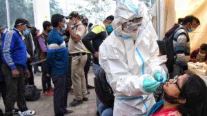 La nueva variante más contagiosa del coronavirus se encuentra ya en 15 países
