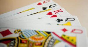 ¡Sin reyes ni reinas! Diseñan baraja de cartas sin género
